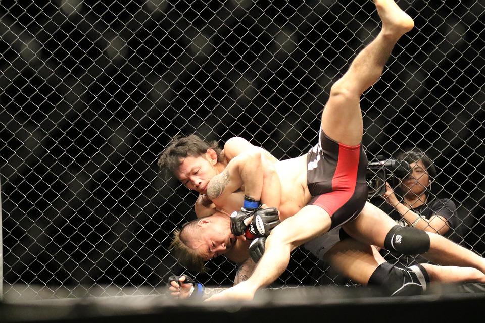 MMA souboj
