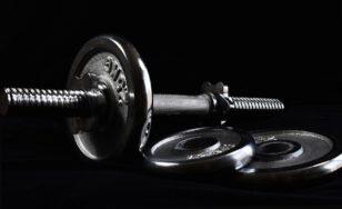 Cvičení v posilovně má svá pravidla