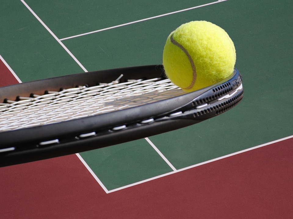 Chcete hrát tenis? Vyberte si správnou tenisovou raketu