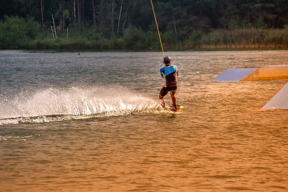 Sportujeme v létě. Jaké sporty jsou nejlepší pro horké roční období?