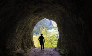 Jeskyňaření si mohou vyzkoušet začátečníci i děti