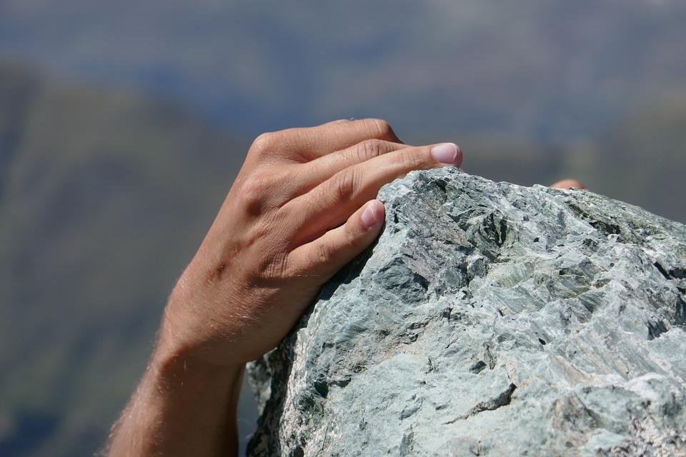 Bouldering. Prehistorický sport, který posiluje tělo i ducha.